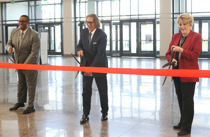 Ribbon-Cutting Ceremony Marks Official Opening of the Expo at World Market Center Las Vegas